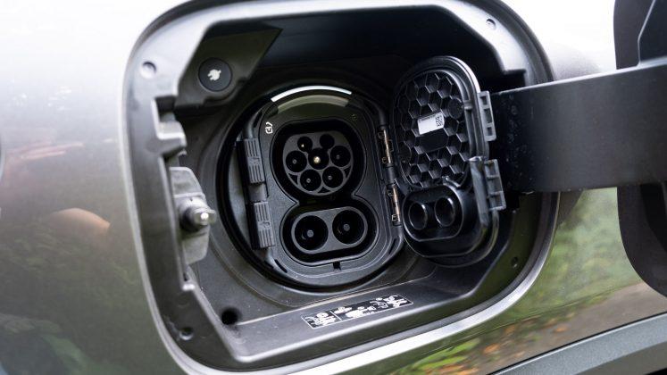 Mercedes EQA charging
