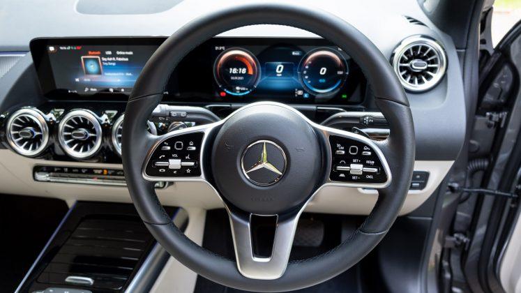 Mercedes EQA steering wheel