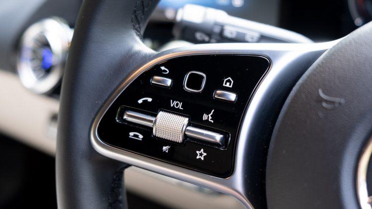 Mercedes EQA steering wheel controls