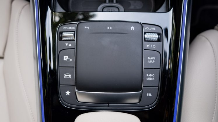 Mercedes EQA touch pad