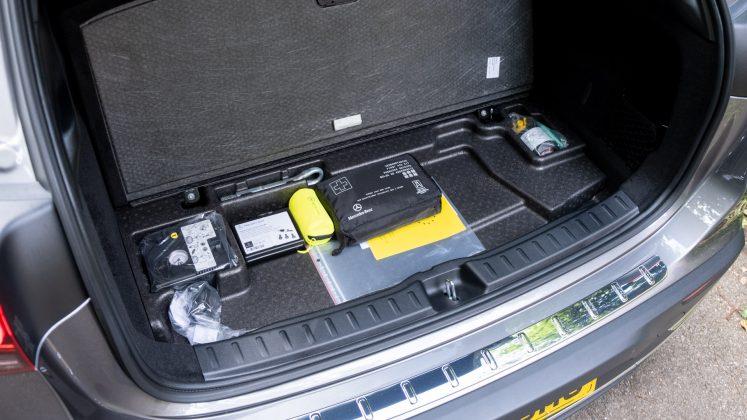 Mercedes EQA underfloor space
